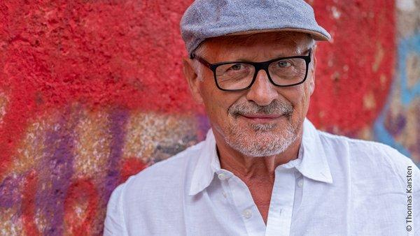 Konstantin Wecker - Eine Konzertreise nach UTOPIA